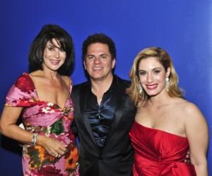 Jennifer_Valoppi,_Romero_Britto_&_Marisa_Toccin_at_Women_of_Tomorrow
